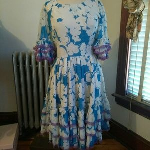 Dresses & Skirts - Clothing